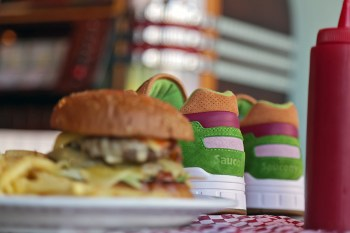 "END. x Saucony Shadow 5000 ""Burger"" Preview"