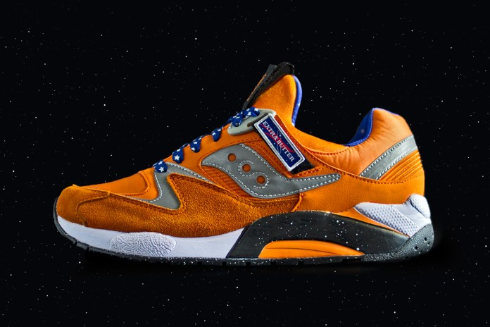 "Extra Butter x Saucony Grid 9000 ""ACES"""