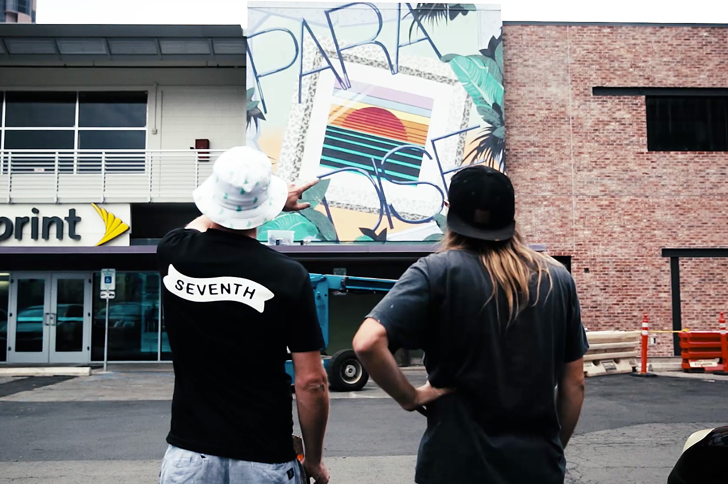"Painting ""Paradise"" with INSA and ROID at POW! WOW! Hawaii 2014"