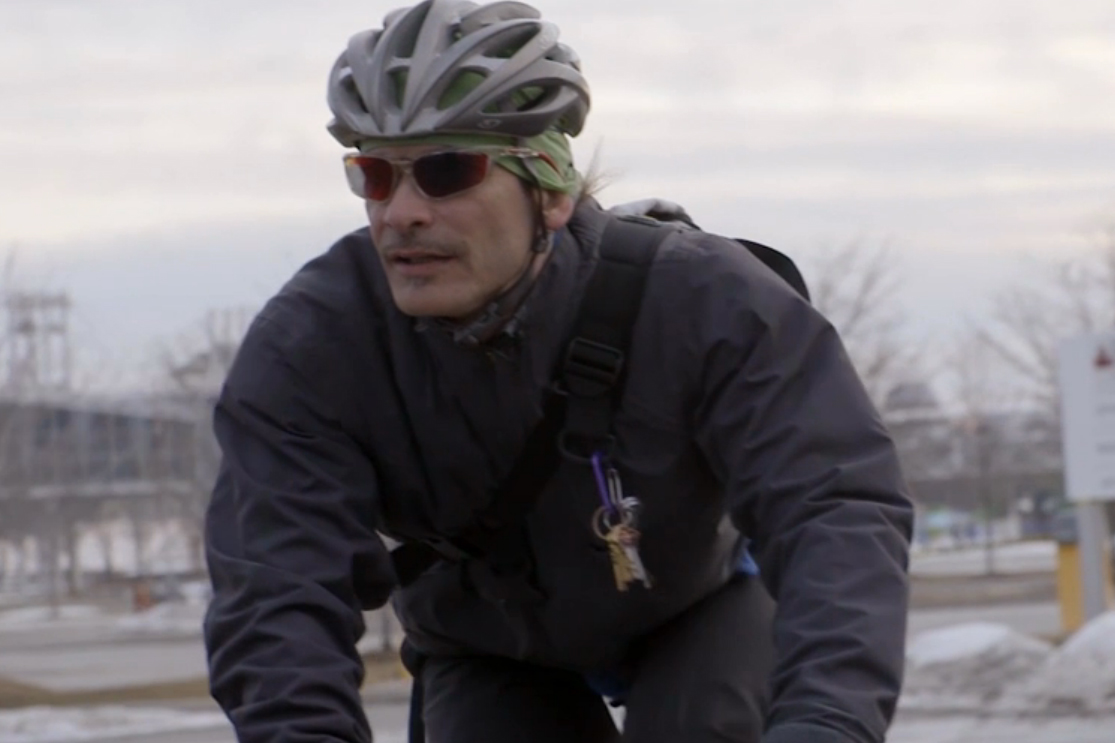 """Red Bull's """"ALLEYCATS"""" Explores the Roots and Culture of Unsanctioned Bike Racing"""
