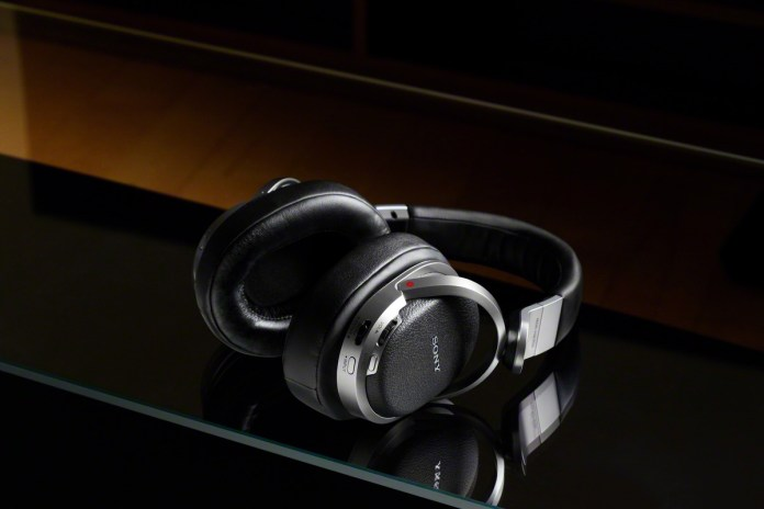Sony MDR-HW700DS 9.1ch Digital Surround Wireless Headphones