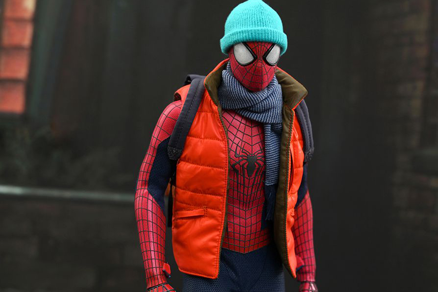 hot toys the amazing spider man 1 6th scale collectible figure