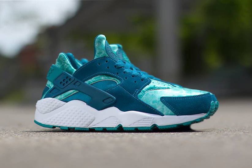 "Nike Air Huarache ""Green Abyss"""
