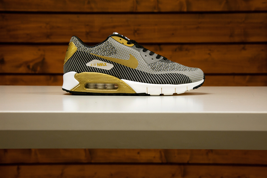 nike nsw 2014 gold trophy pack
