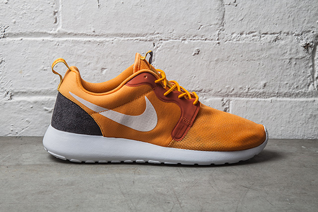 nike roshe run hyperfuse kumquat