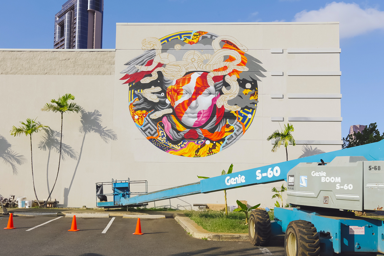 pow wow hawaii x versace mural by tristan eaton