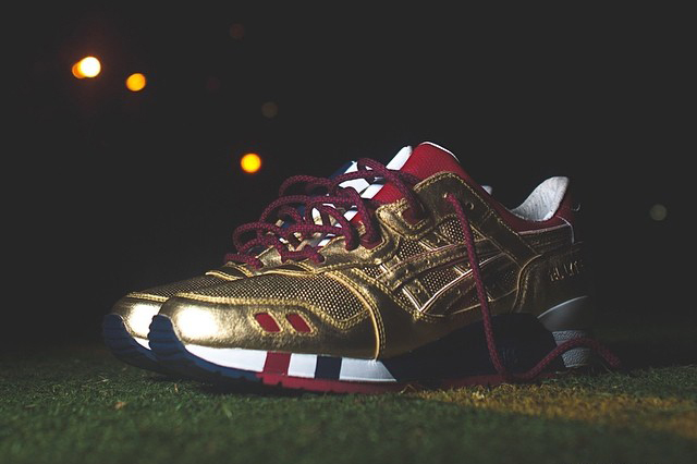 "A First Look at the Ronnie Fieg x ASICS Gel Lyte III Kith Football Equipment ""USA"""
