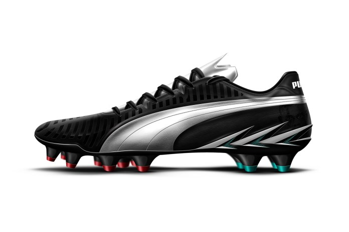 Booting Around: Mario Balotelli's PUMA Spear 1.0+ Boot