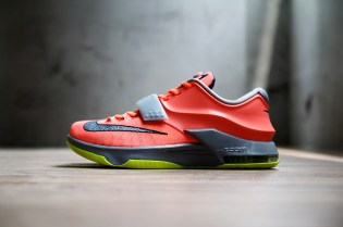 "A Closer Look at the Nike KD7 ""35,000 Degrees"""