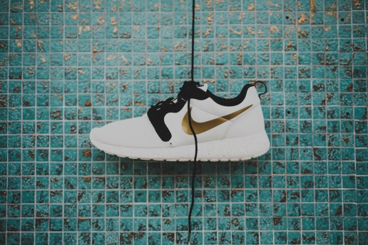 "A Closer Look at the Nike Roshe Run Hyperfuse ""Gold Hypervenom"""