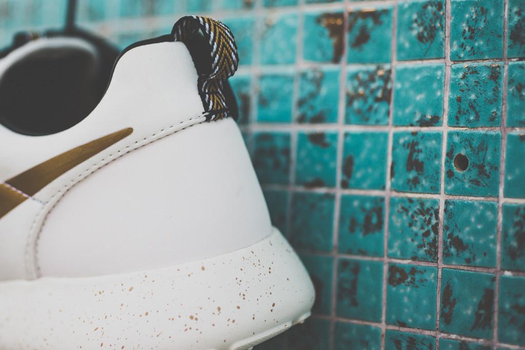 "A Closer Look at the Nike Roshe Run Hyperfuse ""Gold Hypervenom"""