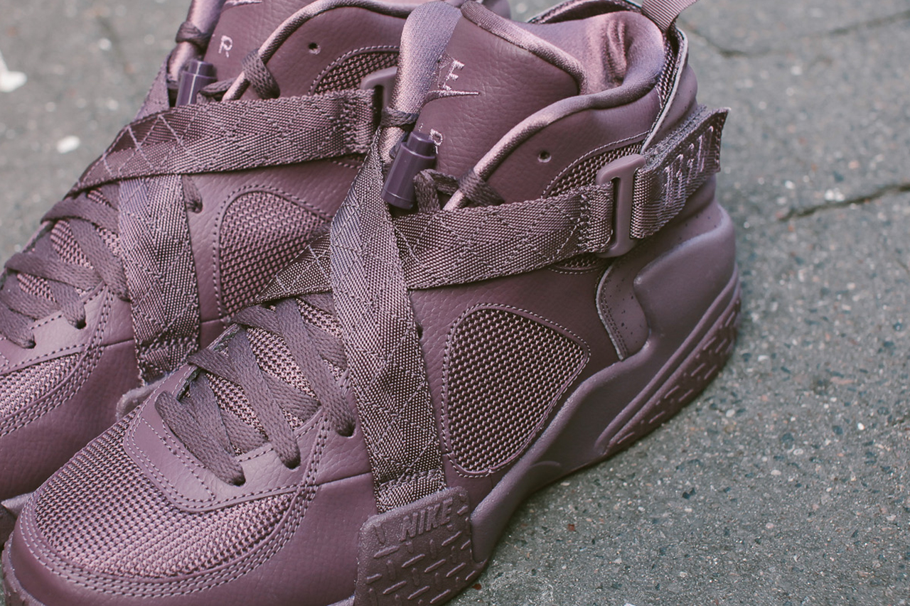 a further look at the pigalle x nike air raid