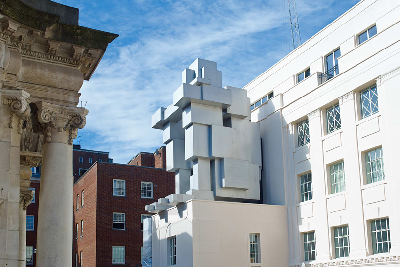 Antony Gormley Designs A Liveable Cube Sculpture for the Beaumont Hotel