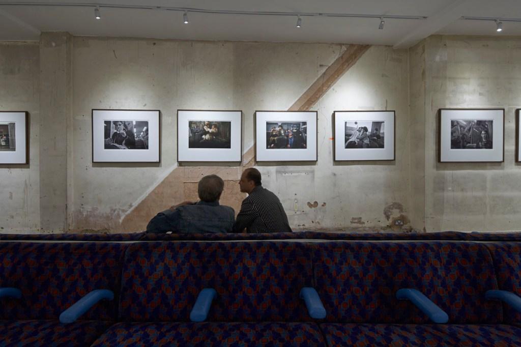 """Bob Mazzer """"UNDERGROUND"""" Exhibition @ Howard Griffin Gallery Recap"""