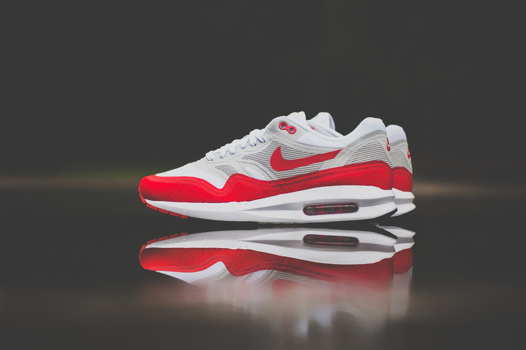 "A Closer Look at the Nike Air Max 1 Lunar ""OG Sport Red"""