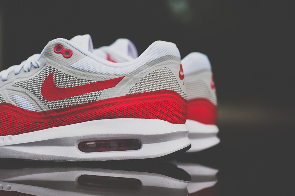 """A Closer Look at the Nike Air Max 1 Lunar """"OG Sport Red"""""""