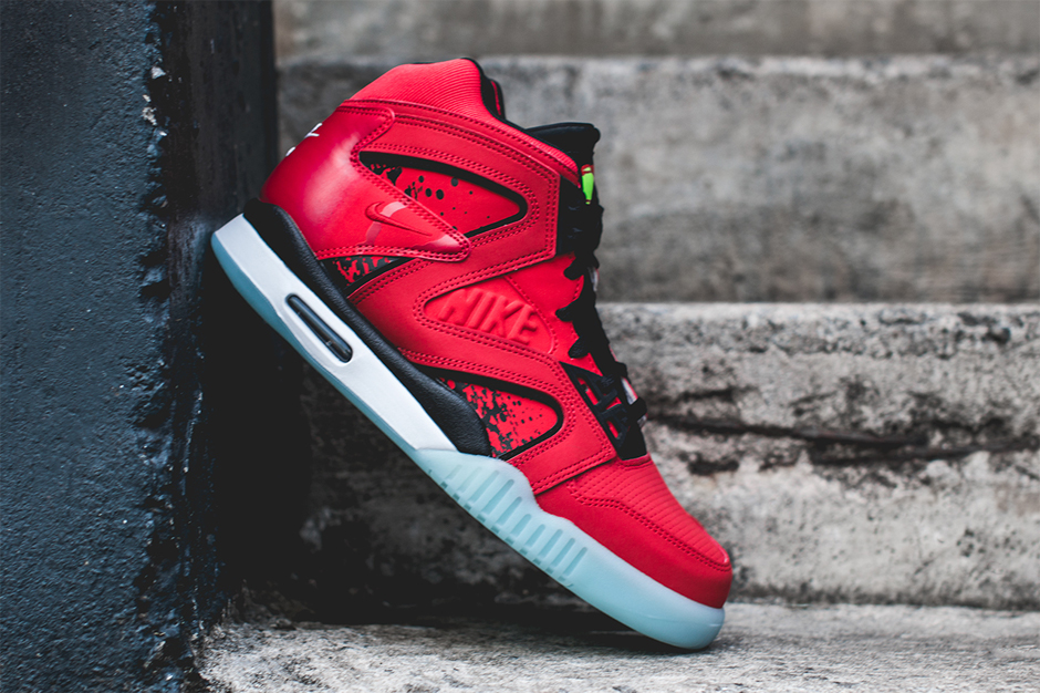 "Nike Air Tech Challenge Hybrid ""Chilling Red"""