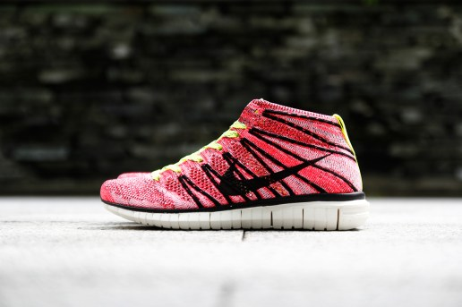 Nike Women's Free Flyknit Chukka PRM QS