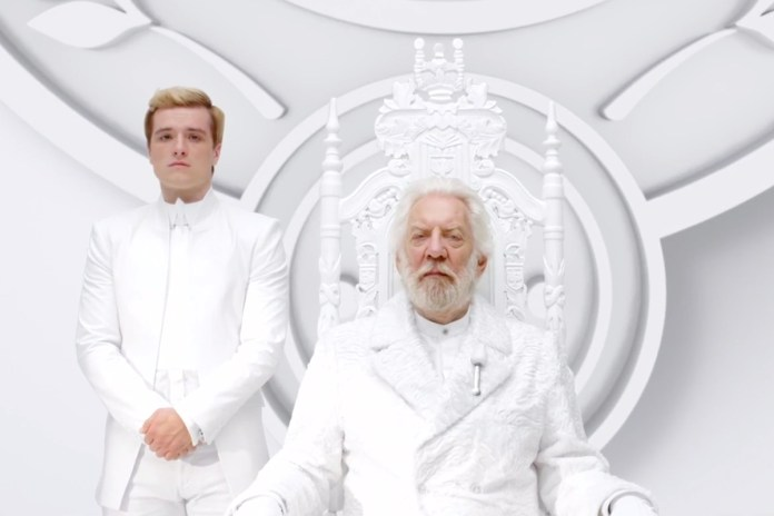 "The Hunger Games: Mockingjay Pt. 1 ""Together as One"" Trailer"