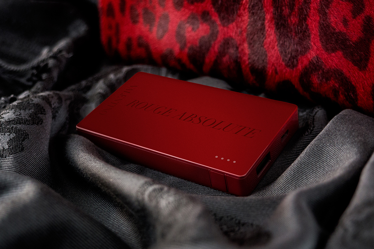 valentino x mophie rouge absolute powerstation 4000