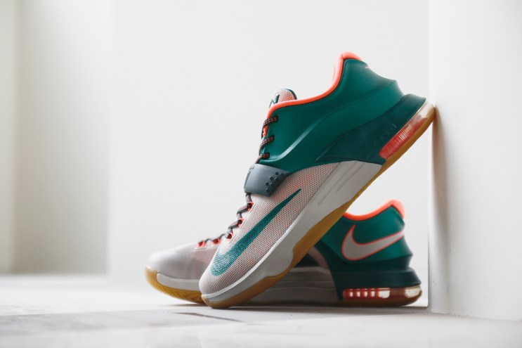 """A Closer Look at the Nike KD7 """"Easy Money"""""""