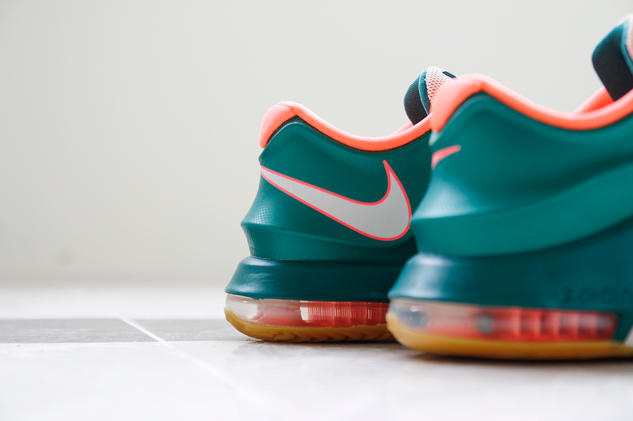 "A Closer Look at the Nike KD7 ""Easy Money"""