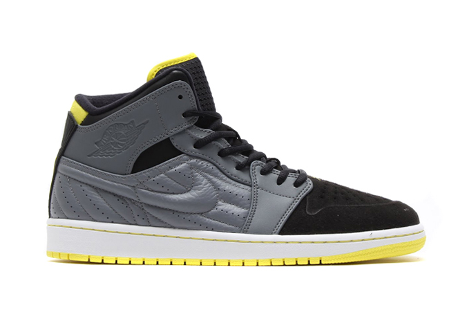 """Air Jordan 1 Retro '99 """"Thunder"""""""