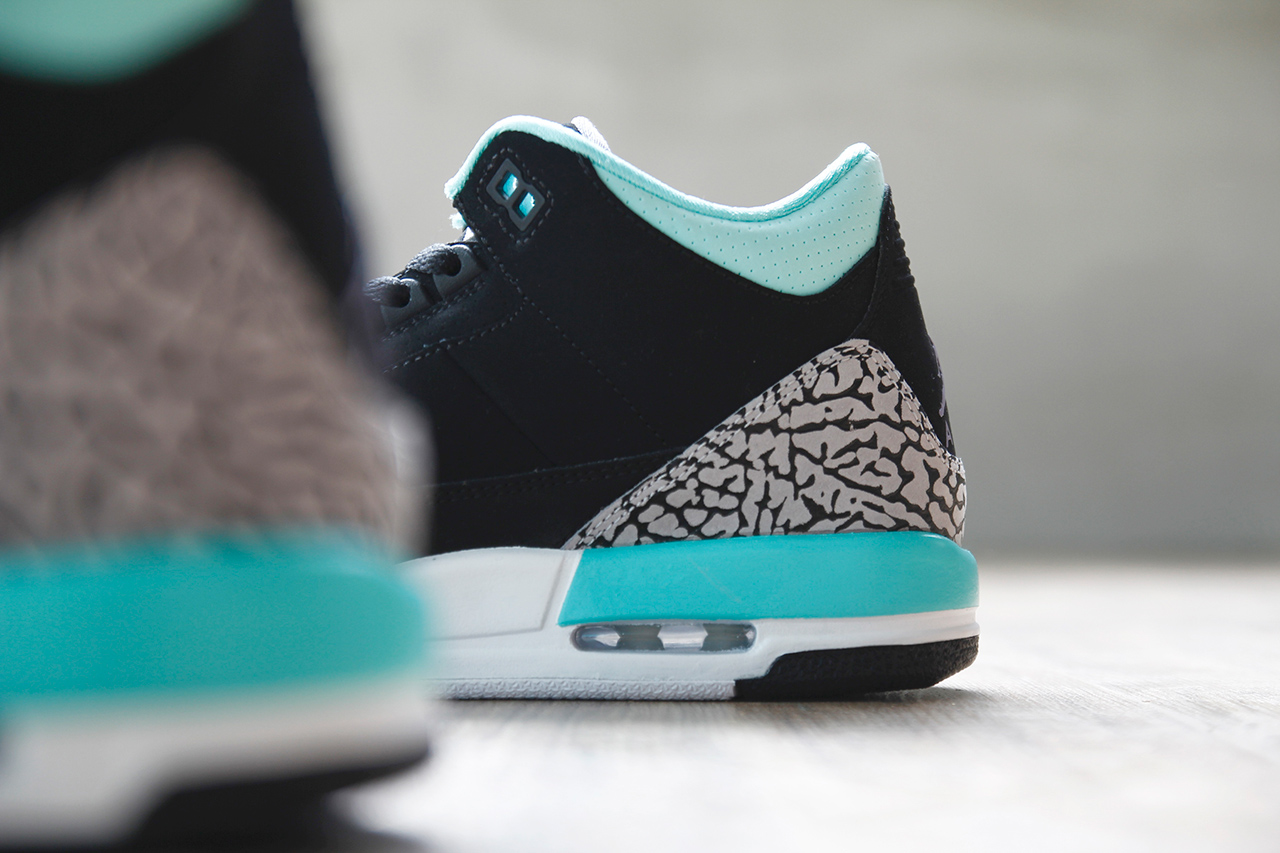 Air Jordan 3 Retro GS Black/Mint Green-Cement Grey