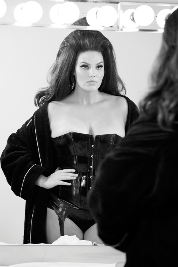 Behind the Scenes of Pirelli's 2015 Calendar