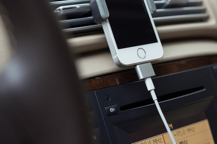 Cabin Portable Battery and Magnetic Charger for iPhone