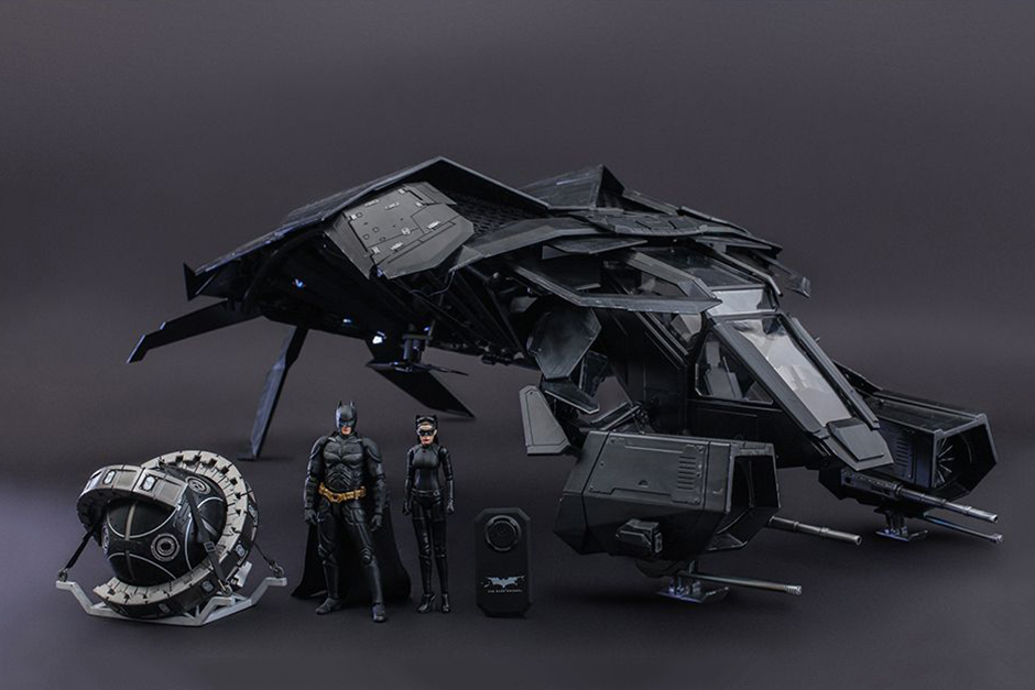 hot toys the bat scale collectable set