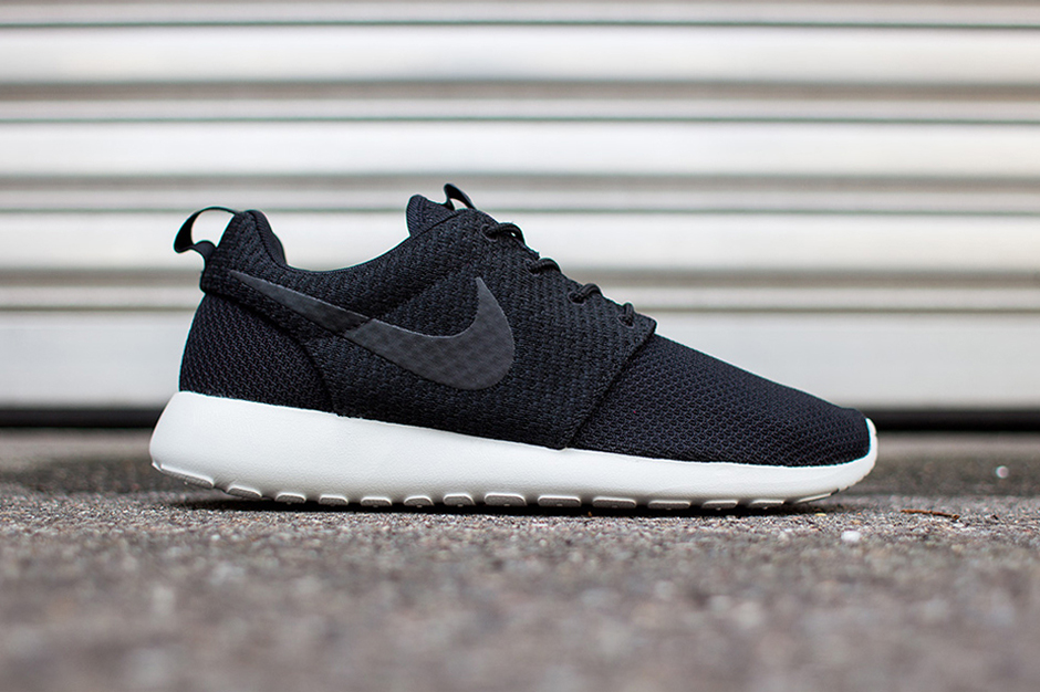 nike roshe run black ash grey