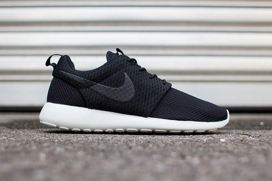 Nike Roshe Run Black/Ash Grey