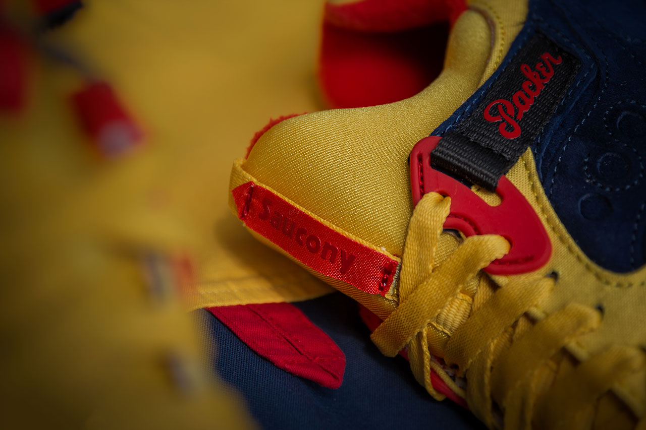 "Packer Shoes x Saucony Grid 9000 ""Snow Beach"""