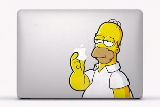 """Watch the Apple """"Stickers"""" Ad for the MacBook Air"""