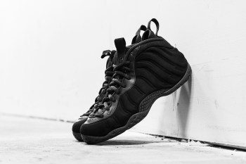 """A Closer Look at the Nike Air Foamposite One """"Triple Black"""""""