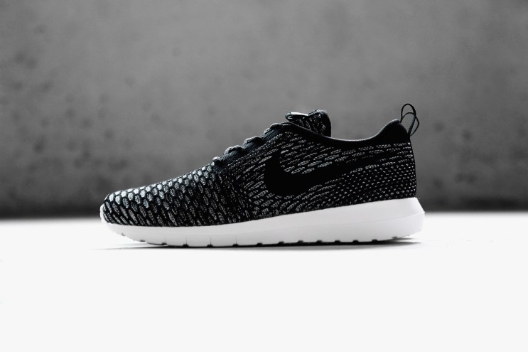 A Closer Look at the Nike Flyknit Roshe Run NM Collection