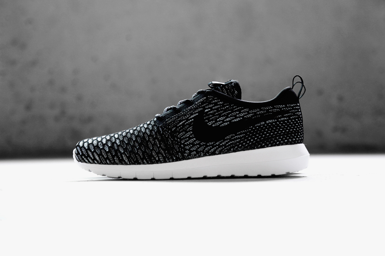 a closer look at the nike flyknit roshe run