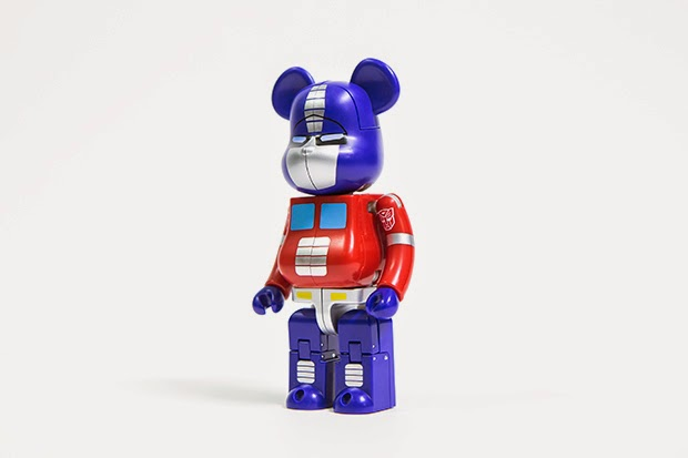 A Closer Look at the Optimus Prime BE@RBRICK