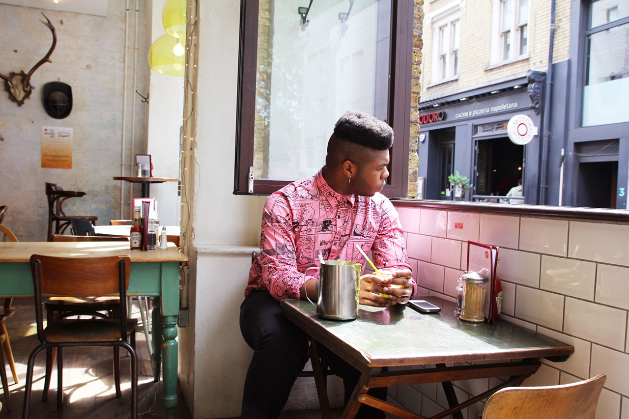 aroundtown featuring mnek