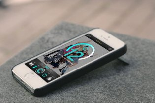 "CaseCam ""The Ultimate Selfie"" iPhone Kickstand"