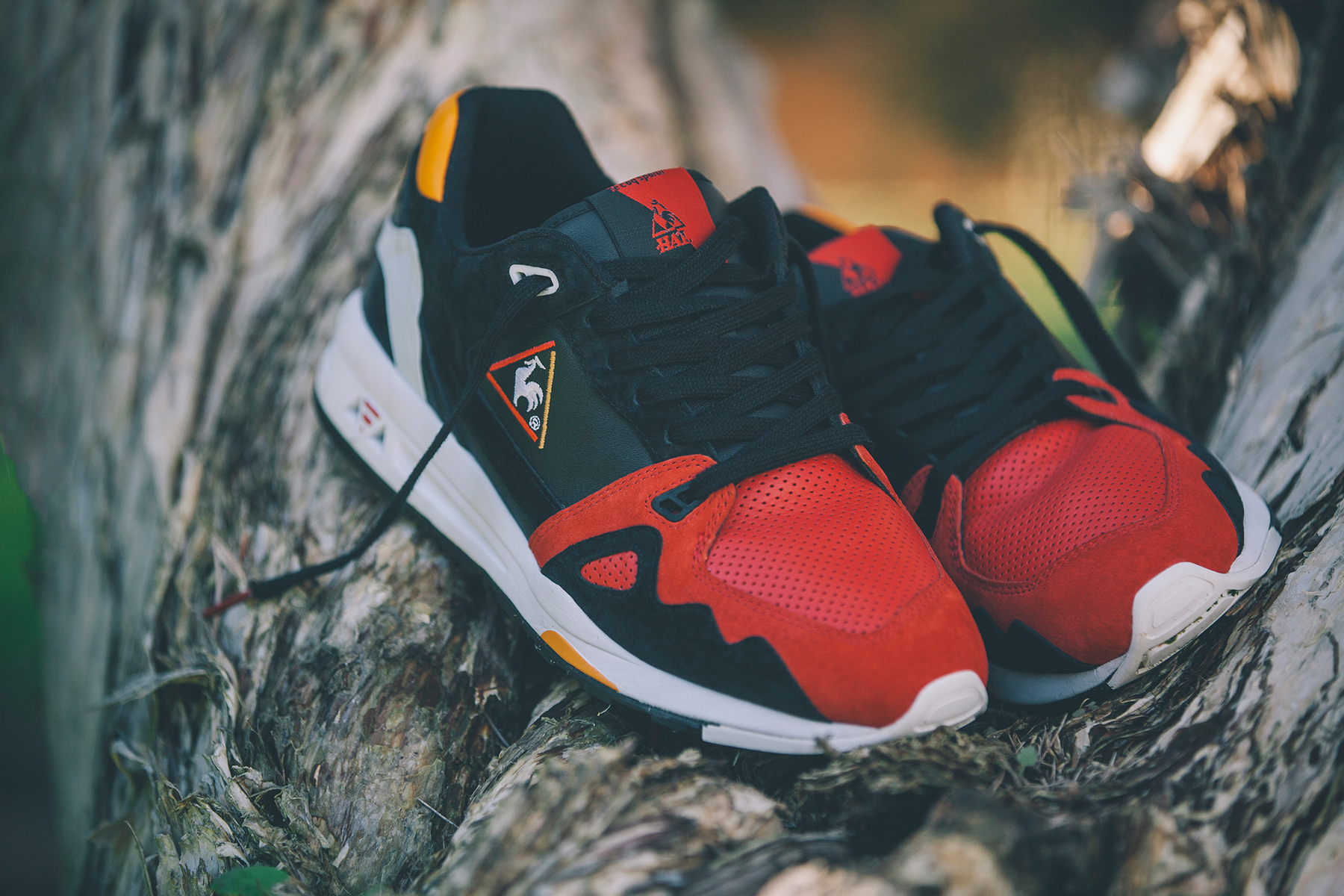 """Highs and Lows x Le Coq Sportif R1000 """"Swans"""" Pack"""