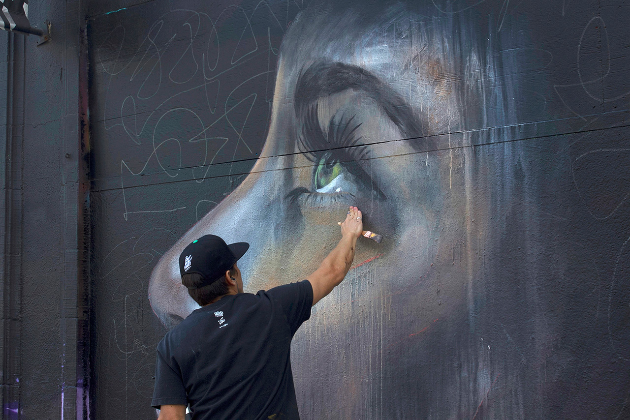 "Kamea Hadar and Defer Paint ""Paradise Lost"" Mural in San Francisco"