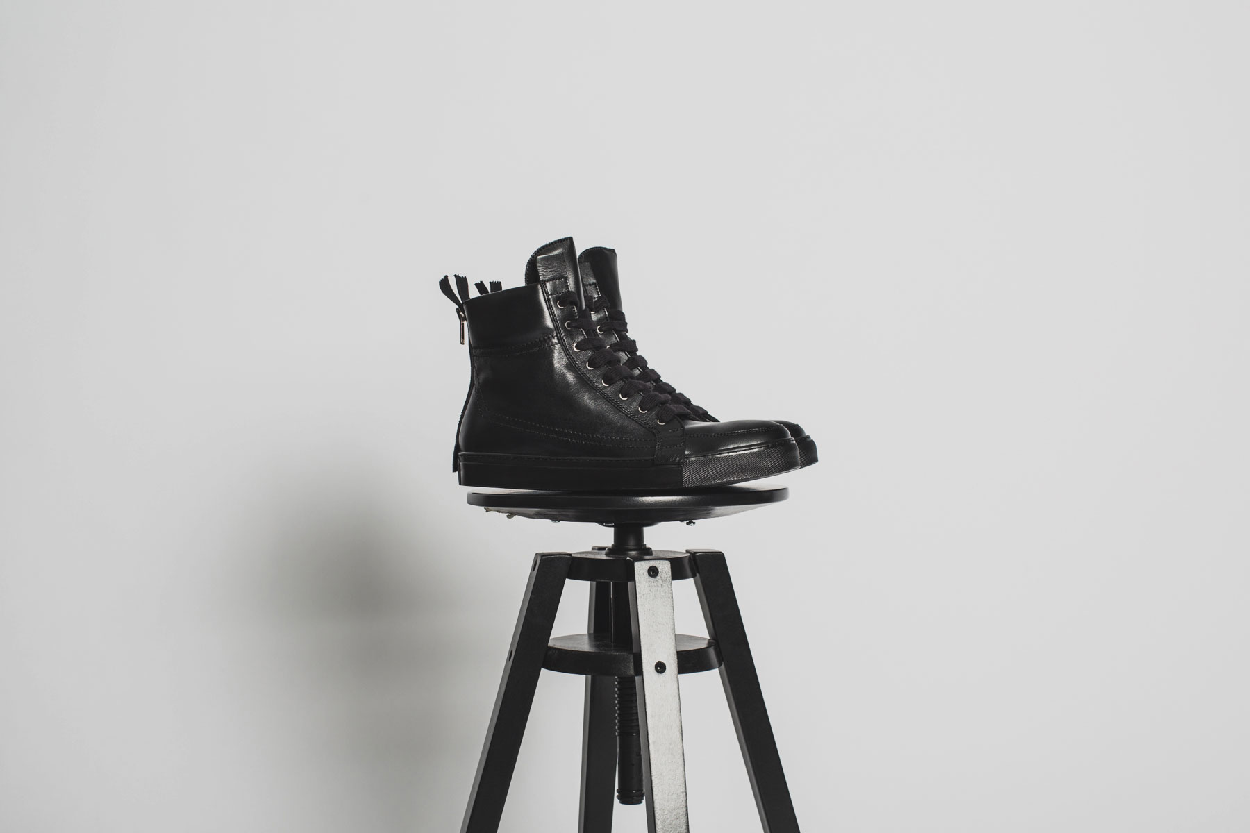 KRISVANASSCHE 2014 Fall/Winter High Top Sneakers