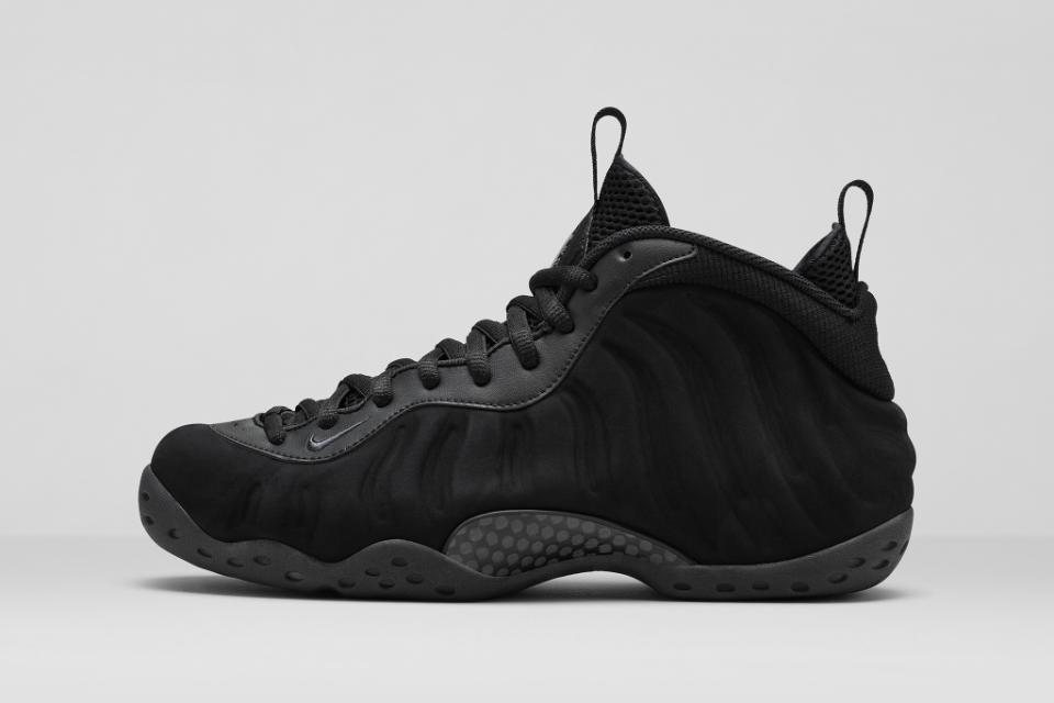 "Nike Air Foamposite One ""Triple Black"""