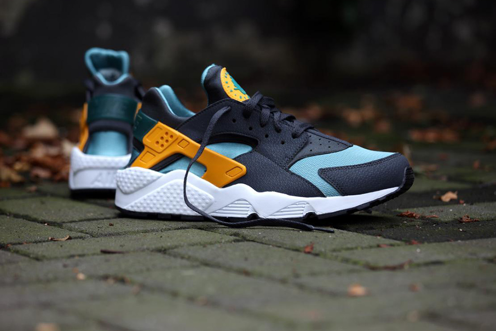 "Nike Air Huarache ""Catalina"""