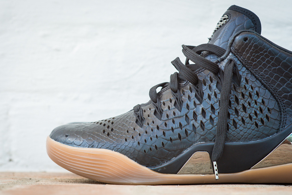 a closer look at the nike kobe 9 mid ext