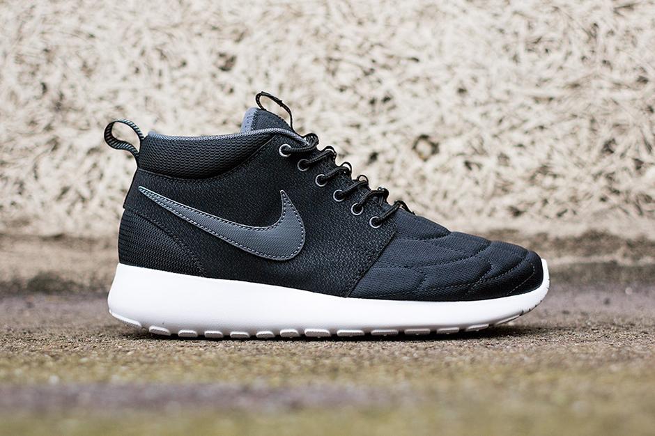 Nike Roshe Run Mid Black/White