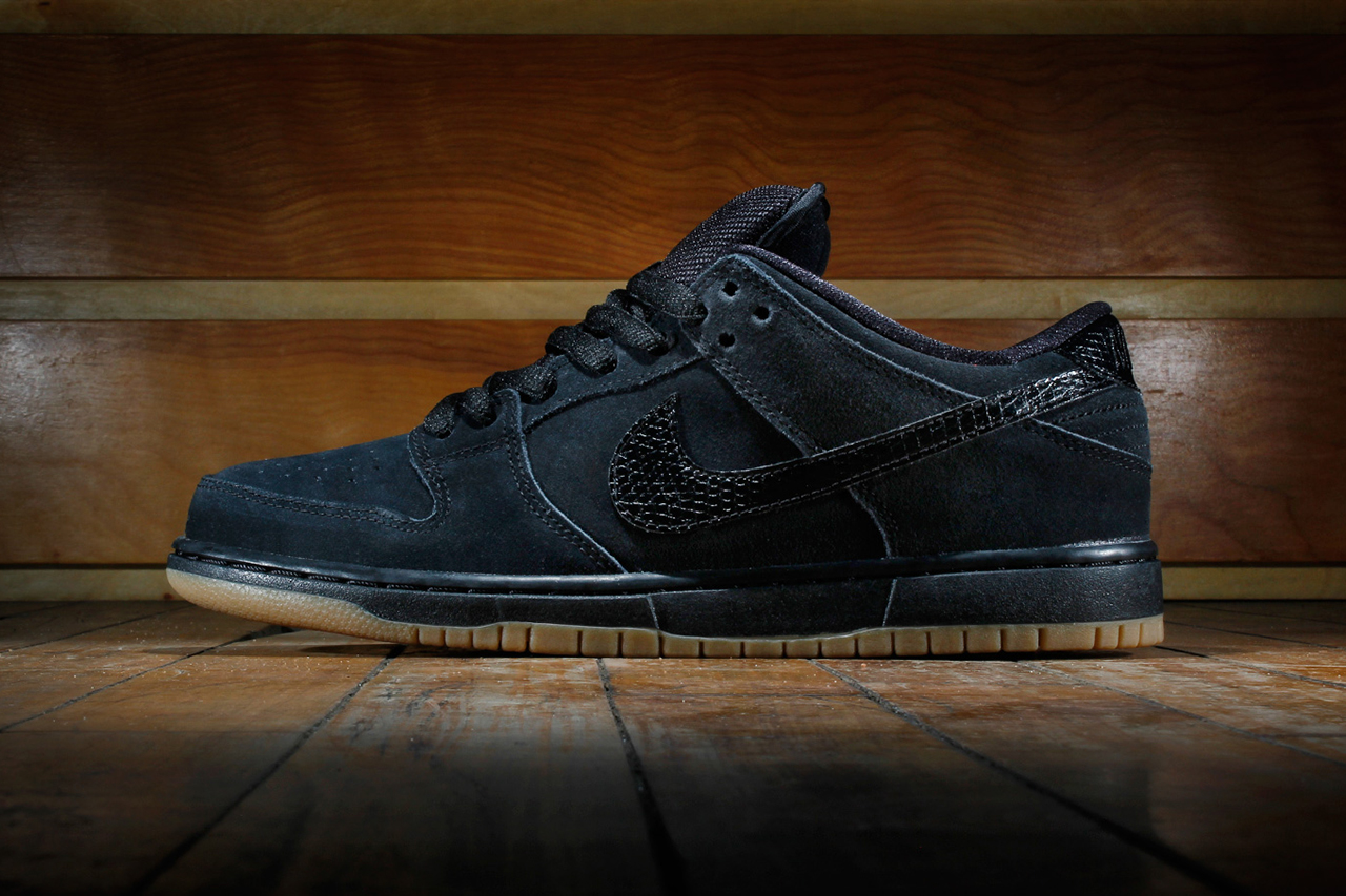 nike sb dunk low pro black gum medium brown