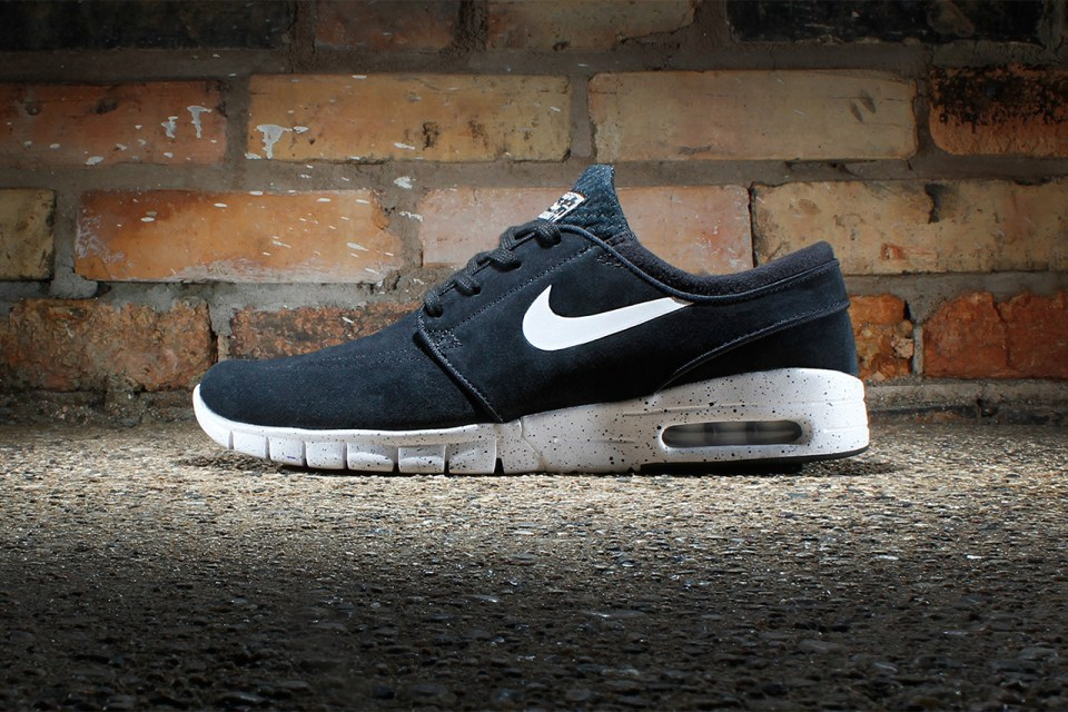 Nike SB Stefan Janoski Max Suede Black/White | HYPEBEAST